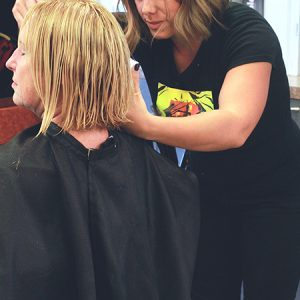 charity_cut-a-thon_2015_035