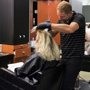 charity_cut_a_thon_2016_007