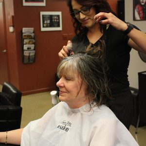 charity_cut_a_thon_2016_023