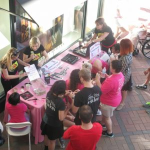 charity_paint_el_paseo_pink_2013_007