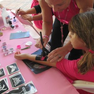 charity_paint_el_paseo_pink_2013_014