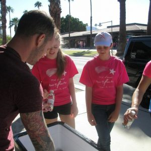charity_paint_el_paseo_pink_2013_024