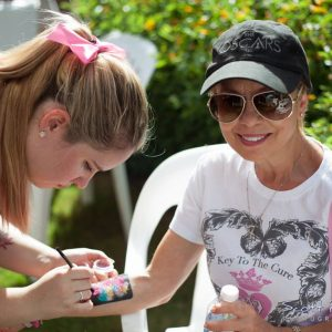 charity_paint_el_paseo_pink_2015_033